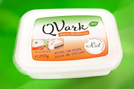 veganer Quark - Topfen - Hiel vegane Mandelcreme